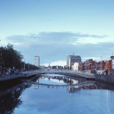 The River Liffey bisects the center of Dublin.