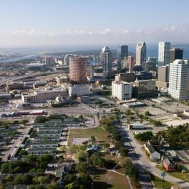 International Plaza is just a short drive from downtown Tampa