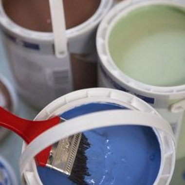 Keep your paint useful by maintaining its moisture.