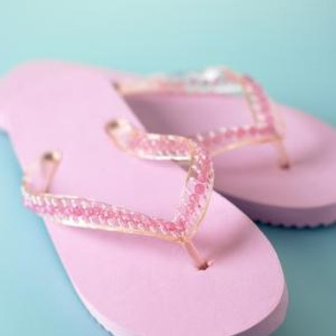 Use your flip-flops as inspiration for a picture frame craft.