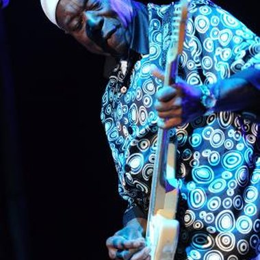 Buddy Guy plays a Fender Stratocaster.