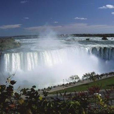 Niagara Falls draws millions of tourists from around the world every year.