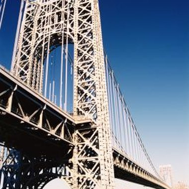 The George Washington Bridge connects New York with New Jersey.