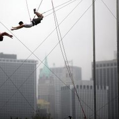 The Trapeze School New York offers sweet 16 birthday parties.