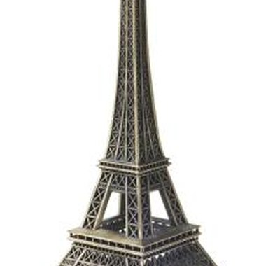 Iconic images of Paris can be used to decorate for your party.