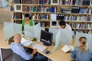 Difference between informative essay and research paper