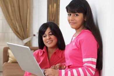 Parent educators can integrate Internet resources into a blended home-school program.