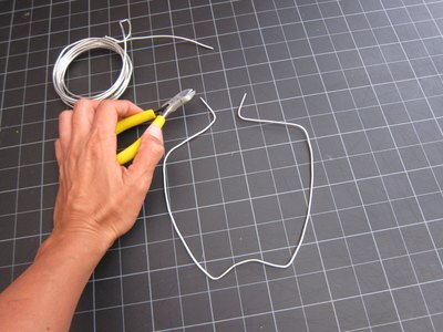 Create wire horn shape.