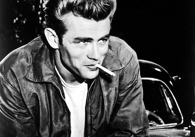 "Dean on the set of ""Rebel Without a Cause"""