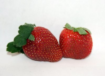 Strawberries contain a high amount of salicylate, especially before they're ripe.