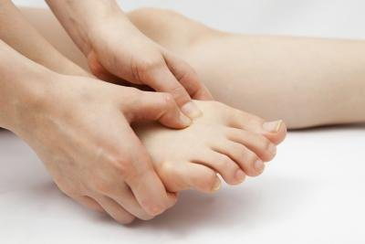 You may experience sudden or continuous burning in your feet if you have burning feet syndrome.