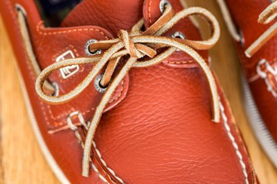 Different Ways to Tie Sperry Laces (with Pictures)   eHow