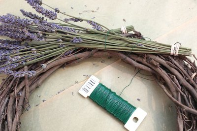 Wrap the second lavender bunch around the wreath.
