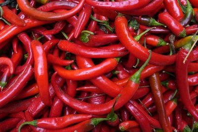 Chili peppers can give you plump, sexy lips.
