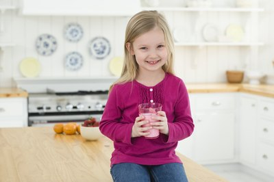 Symptoms of a Toddler Milk Allergy