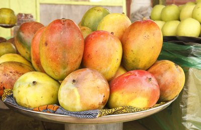 Hawaii has many tropical fruits to enjoy.