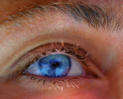 Eye color can also determine the duration of pupil dilation.