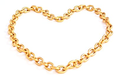 Chain necklace.