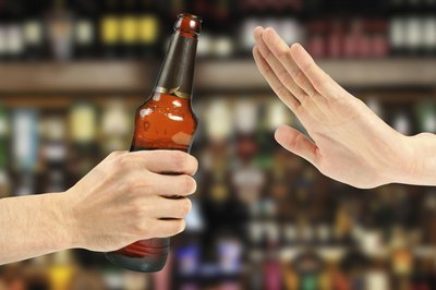 Avoiding alcohol can promote fat loss.
