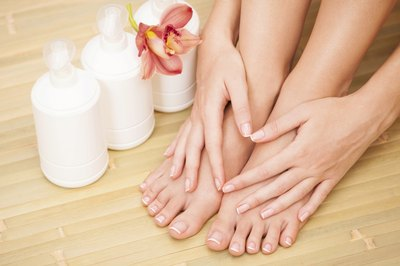 Those with high arches may have calluses under the big toes and pinky toes.