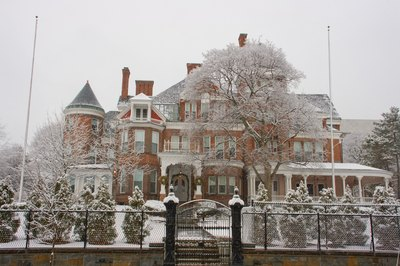 The resident of the governor's mansion in Albany, NY, earns $179,000.