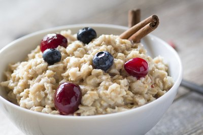 A bowl of oatmeal.
