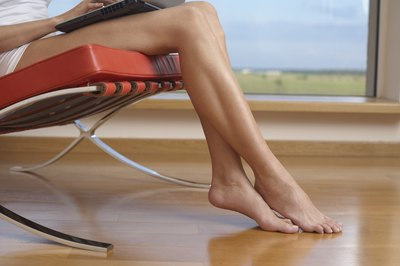 The leg pain symptoms of a diabetic neuropathy often begin with a tingling