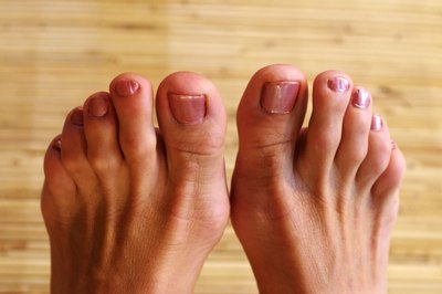 People with peripheral neuropathy might have numbness of the skin, especially in the feet and toes.