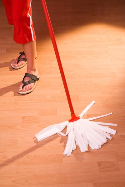 List Of Cleaning Duties For A House With Pictures Ehow