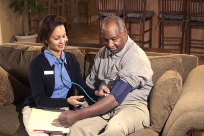 Diabetes specialist nurses work in hospitals, doctor's offices and other medical centers.