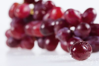 Red seedless grapes are not a good source of fiber.