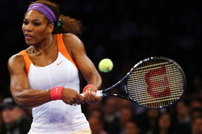 Serena Williams showcases anaerobic tennis movements effortlessly.