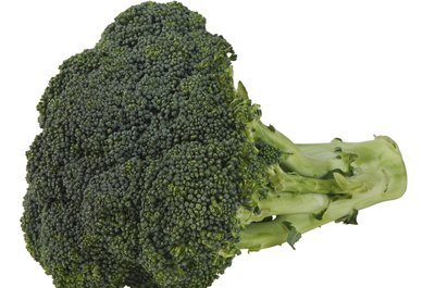 Choose broccoli as a healthy afternoon snack.