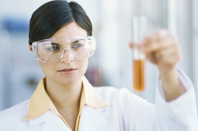 Get your foot in the laboratory door with an associate in science (AS) degree.