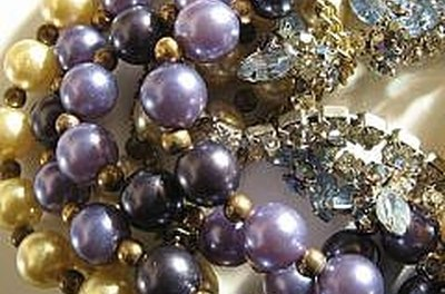 Cleaning Vintage Costume Jewelry 23