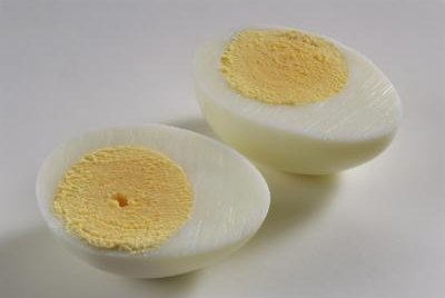 An egg that has cooled properly peels easier than a warm egg.