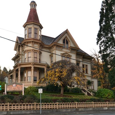 Hotels in astoria or usa today for Building a house in oregon