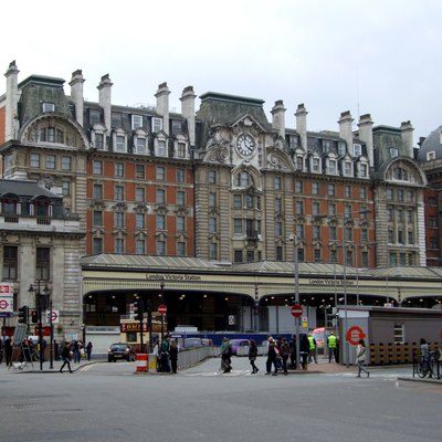 hotels around victoria station london usa today. Black Bedroom Furniture Sets. Home Design Ideas
