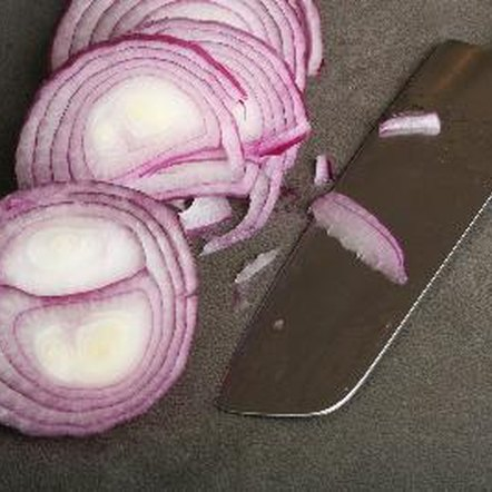Red onions provide plenty of nutrients and other beneficial compounds.