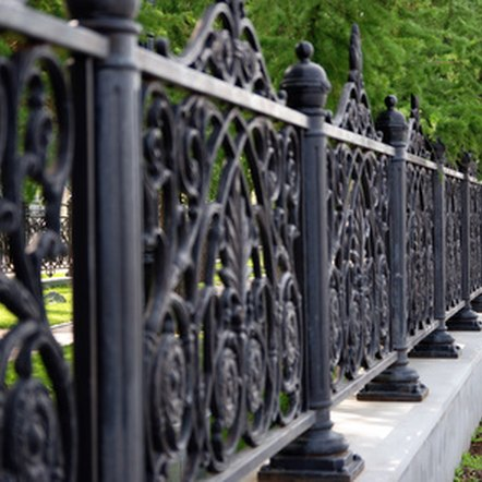 Choosing the right type of fence for a property is important.