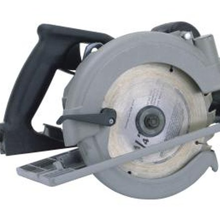 Use a fine-tooth blade when cutting plywood with a power saw.