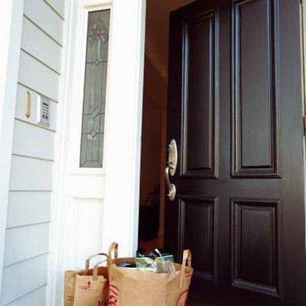 Wiring Diagram For Doorbell Lighted besides Mains Doorbell Wiring Diagram in addition 291558387174 as well Broan Nutone Doorbell Wiring Diagram further Wire Twinchime Doorbell 53973. on wire two doorbells to one transformer