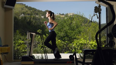 Things to Watch While Running on a Treadmill