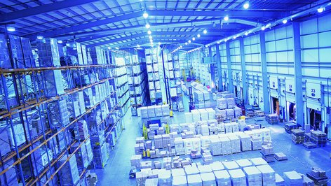 The Advantages of Controlling a Centralized Inventory