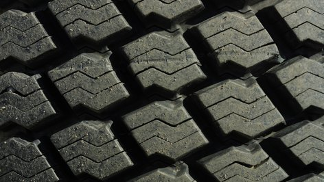 How to Become a Tire Dealership