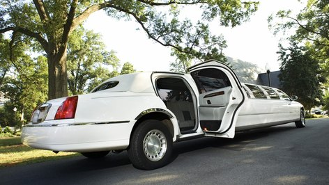 Where Is a Good Place to Advertise Limo Services?