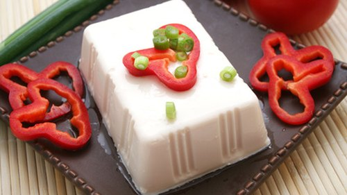 <p>Tofu is a good source of protein.</p>
