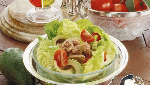 <p>A salad topped with protein makes a filling lunch.</p>