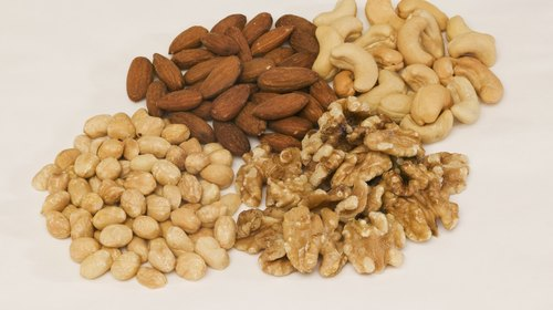 <p>Nuts are a handy starch-free snack.</p>