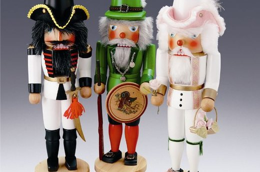 Nutcrackers with Plumes